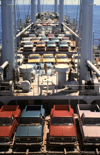 Deck cargo of cars